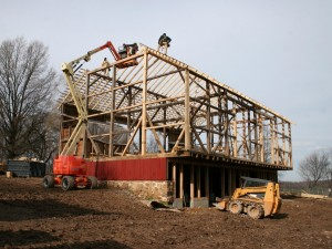 All dunnage is now removed and the barn stands on its own again.